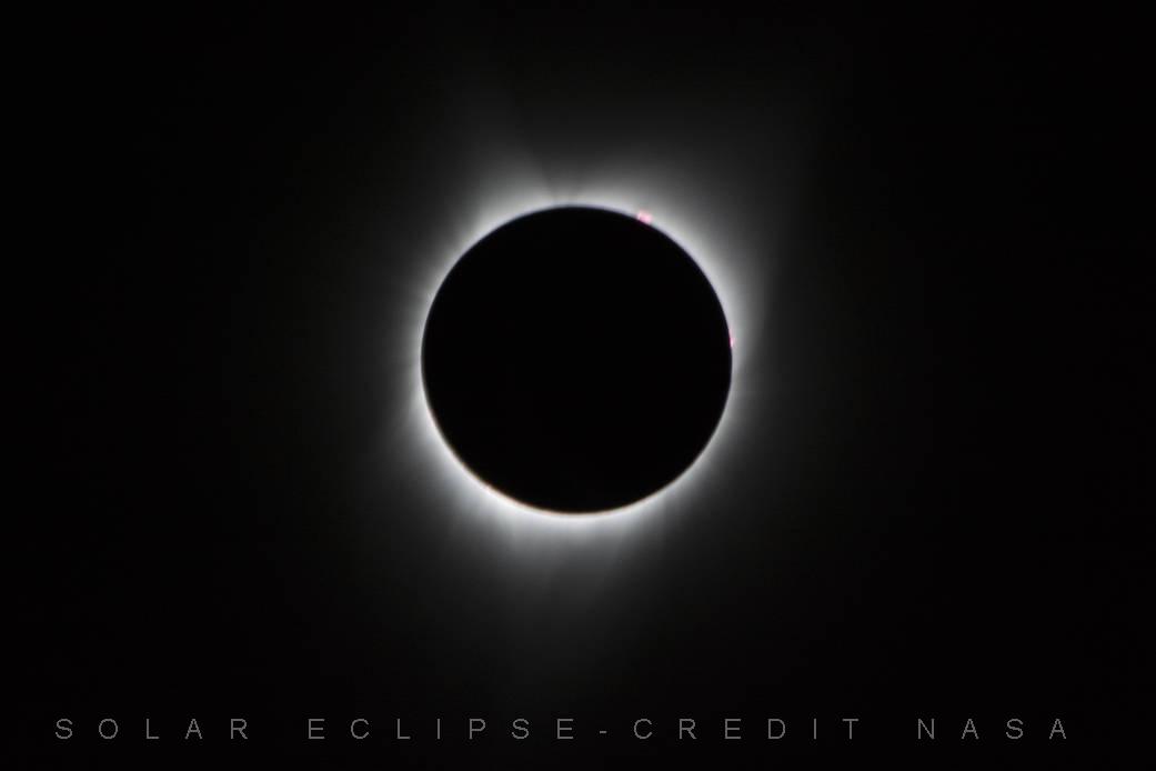 Questa immagine ha l'attributo alt vuoto; il nome del file è SOLAR-ECLIPSE.jpg