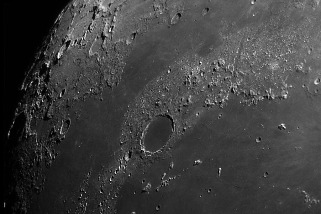 Questa immagine ha l'attributo alt vuoto; il nome del file è cratere-plato-1024x683.jpg